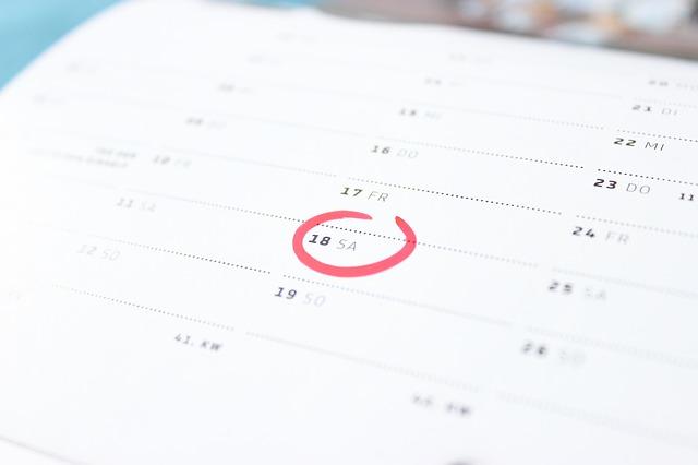 calendar menstruația